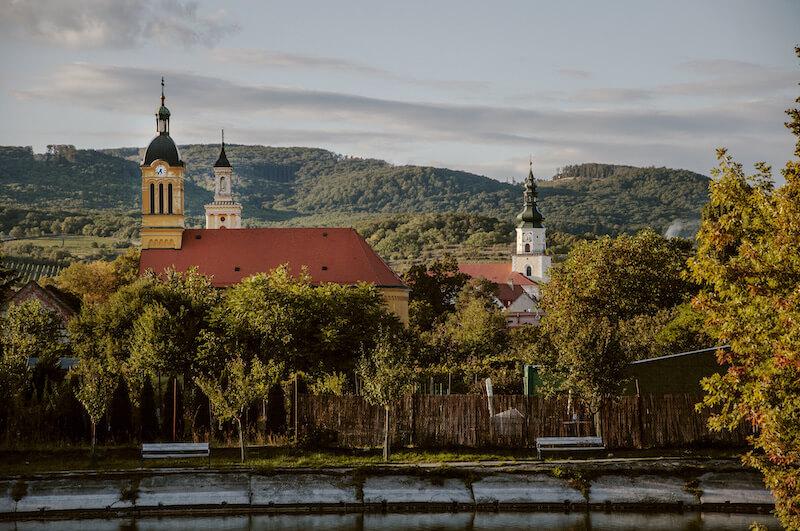Modra, pohľad od rybníka, Modra Tours, Martina Klúčiková